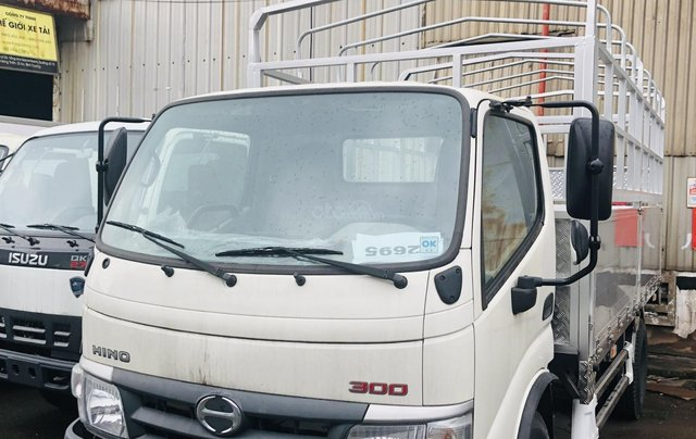 Xe tải Hino 3T5 thùng dài 4m5 nhập khẩu nguyên chiếc 150tr nhận xe4
