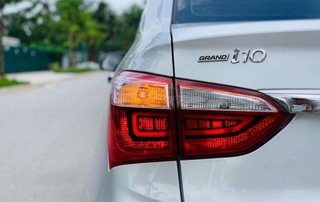 Xe Hyundai Grand i10 sản xuất 2019, màu bạc1