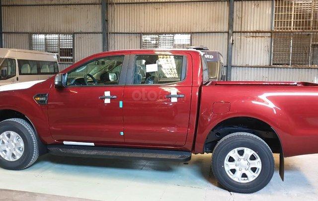Ford Ranger XLS AT/MT 2021 màu đỏ, bán lấy chỉ tiêu chạy doanh số cuối năm, phi lợi nhuận, 1 chiếc giao ngay tháng 114