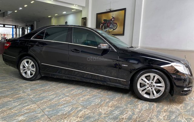 Bán Mercedes E250 CGI chuẩn zin cực đẹp1