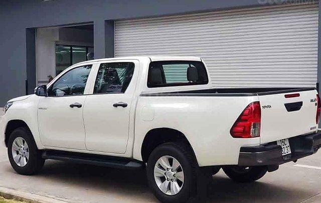Bán xe Toyota Hilux sản xuất năm 2020, màu trắng, nhập khẩu 2