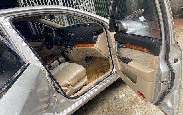 Cần bán Chevrolet Aveo đời 2013, màu bạc5