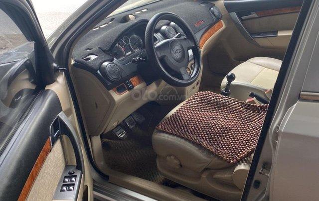 Cần bán Chevrolet Aveo đời 2013, màu bạc8