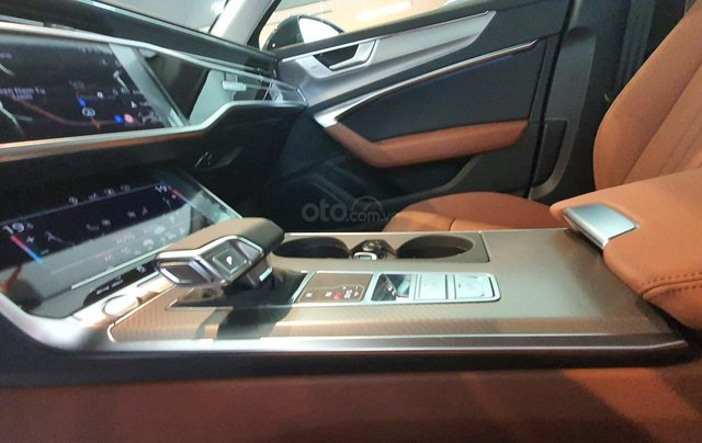 Audi A6 năm sản xuất 2020, nhập khẩu nguyên chiếc10