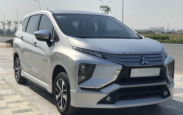 Cần bán Mitsubishi Xpander đời 2018, màu bạc, xe như mới, có hỗ trợ trả góp2