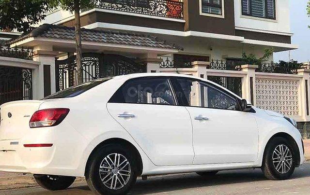 Bán ô tô Kia Soluto sản xuất năm 2020, màu trắng số sàn, giá 375tr5
