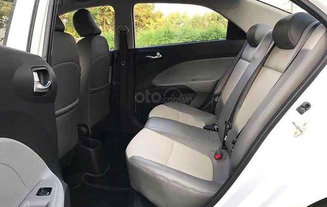 Bán ô tô Kia Soluto sản xuất năm 2020, màu trắng số sàn, giá 375tr2
