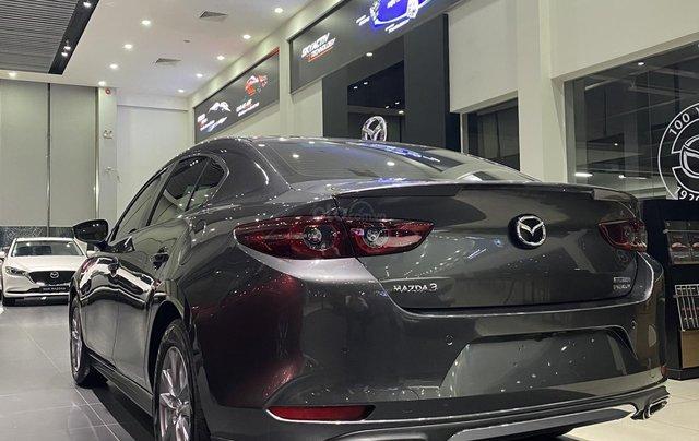 Mazda 3 Premium giảm giá ưu đãi cùng nhiều quà tặng tháng 124