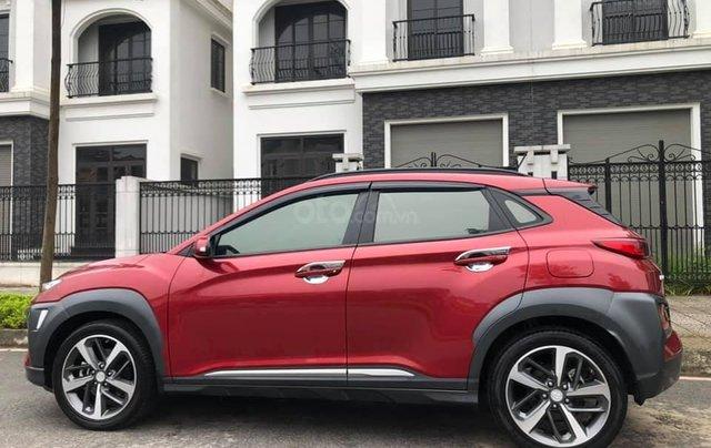 Hyundai Kona 1.6 Turbo sản xuất năm 2019, màu đỏ còn mới nguyên2