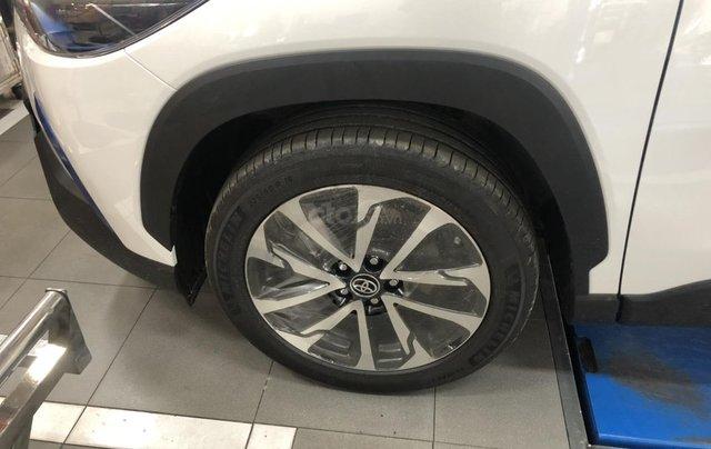 Toyota Corolla Cross 1.8 Hybrid, màu trắng ngọc trai, giao ngay2