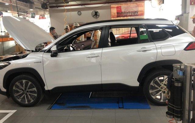 Toyota Corolla Cross 1.8 Hybrid, màu trắng ngọc trai, giao ngay1