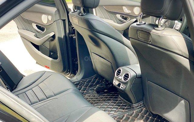 Bán Mercedes Benz C300AMG ĐK 02/2019, sản xuất cuối 2018, chạy 6.000km, xe như xe mới, còn bảo hành hãng7