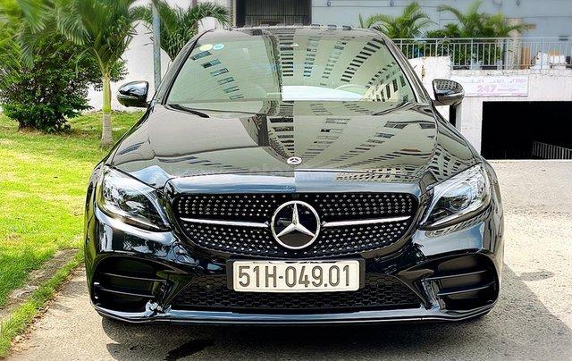 Bán Mercedes Benz C300AMG ĐK 02/2019, sản xuất cuối 2018, chạy 6.000km, xe như xe mới, còn bảo hành hãng0