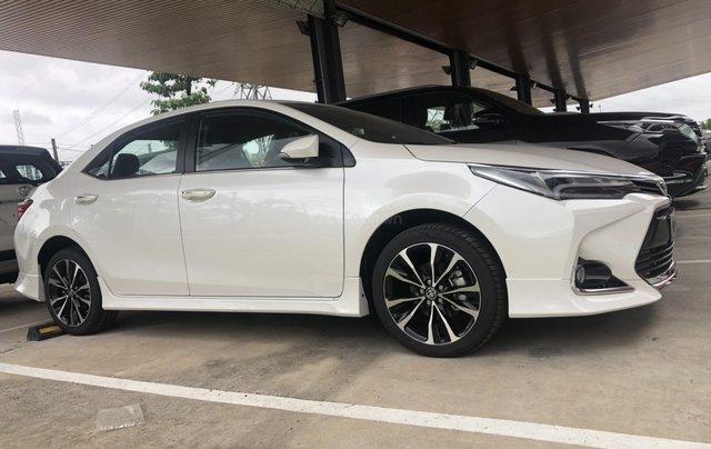 Toyota Altis 1.8G cao cấp - màu trắng ngọc trai - khuyến mãi khủng cuối năm2