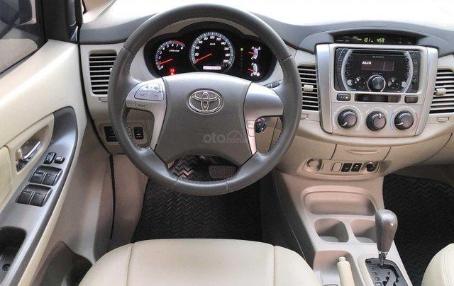 Toyota Innova 2.0G - số tự động - đẹp nhất Sài Gòn12