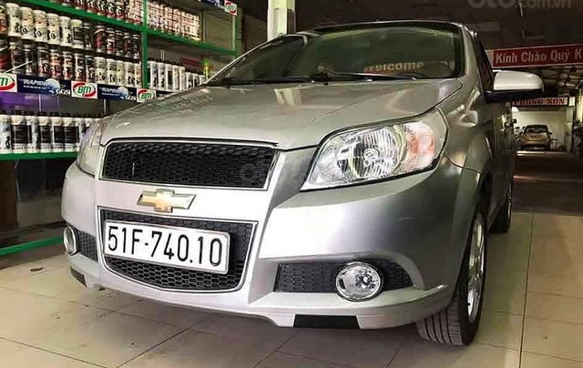 Cần bán xe Chevrolet Aveo sản xuất năm 2016, màu bạc số sàn2