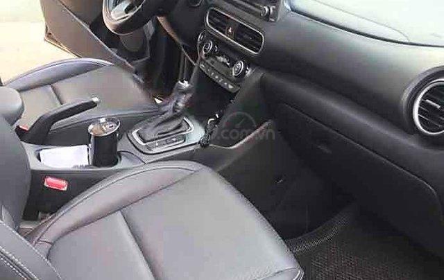 Cần bán lại xe Hyundai Kona 1.6 Turbo 2019, màu đen3