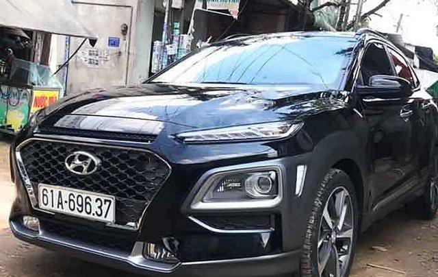 Cần bán lại xe Hyundai Kona 1.6 Turbo 2019, màu đen0