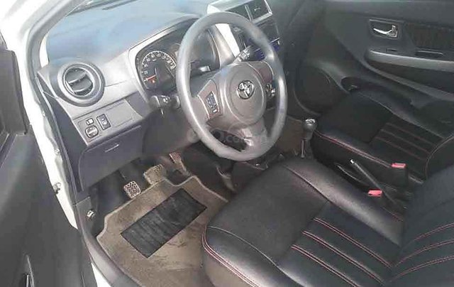 Bán lại xe Toyota Wigo sản xuất 2019, màu bạc, nhập khẩu số sàn, giá chỉ 305 triệu3