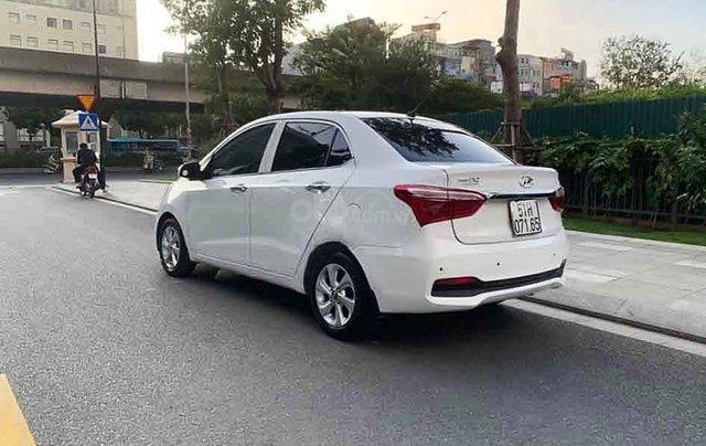 Bán Hyundai Grand i10 2019, màu trắng số tự động3