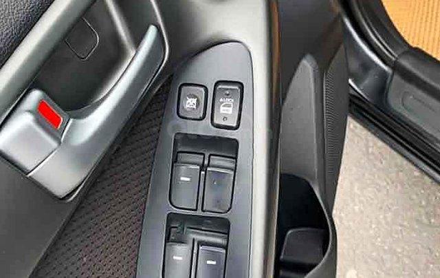 Bán lại xe Kia Forte 2012, màu đen số sàn, giá 280tr1
