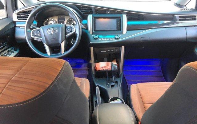 Bán Toyota Innova đời 2018, màu bạc chính chủ, giá chỉ 670 triệu1