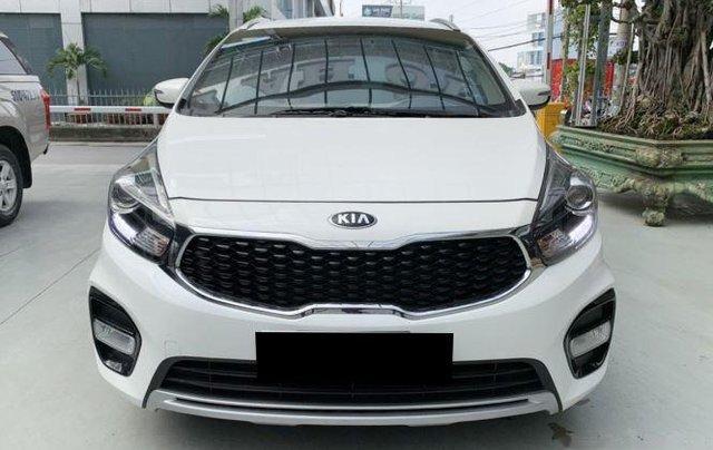 Cần bán xe Kia Rondo sản xuất 2019, màu trắng còn mới, giá chỉ 590 triệu1