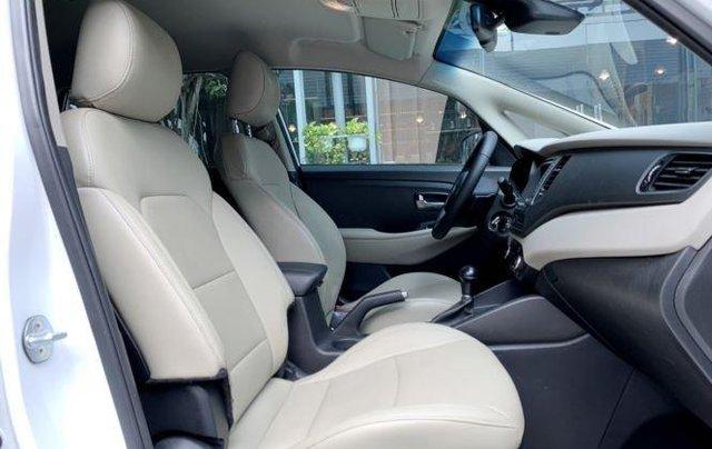 Cần bán xe Kia Rondo sản xuất 2019, màu trắng còn mới, giá chỉ 590 triệu5