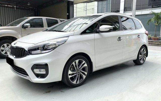 Cần bán xe Kia Rondo sản xuất 2019, màu trắng còn mới, giá chỉ 590 triệu0