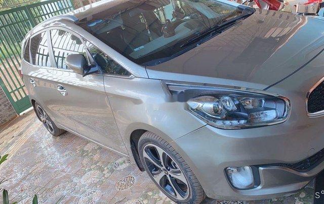 Bán xe Kia Rondo năm sản xuất 2016, màu bạc, xe nhập chính chủ, giá 460tr5