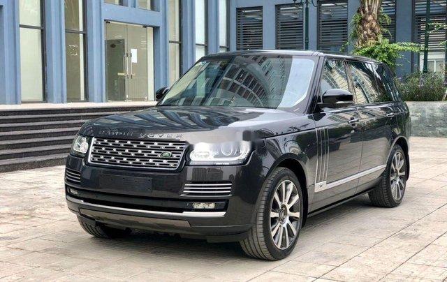 Cần bán LandRover Range Rover Autobiography LWB 5.0 năm sản xuất 2015, màu đen0