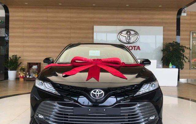Chỉ duy nhất tháng 12 - xe Toyota Camry 2.5Q 2020, xả hàng nhiều khuyến mại, hỗ trợ trả góp0