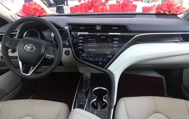 Chỉ duy nhất tháng 12 - xe Toyota Camry 2.5Q 2020, xả hàng nhiều khuyến mại, hỗ trợ trả góp3