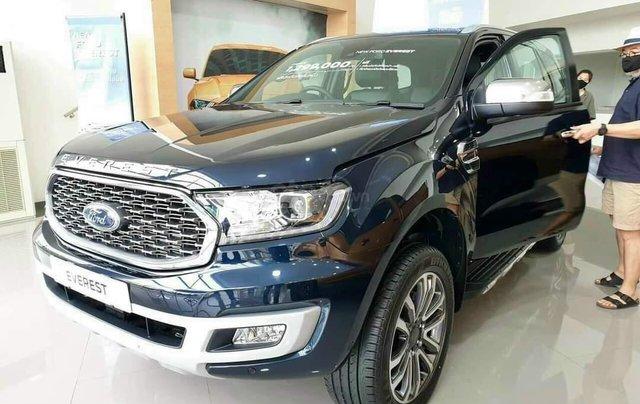Ford Everest Titanium 4x4 mới 2020 Fom 2021. Giảm ngay 99tr tiền mặt và tặng phụ kiện giá trị1