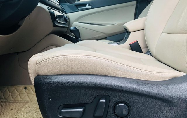 Hyundai Tucson xăng đặc biệt 2.0 AT 2018 biển Hà Nội11