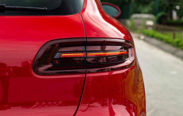 Bán xe Porsche GTS model 2017 màu đỏ2