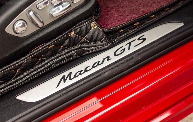 Bán xe Porsche GTS model 2017 màu đỏ7