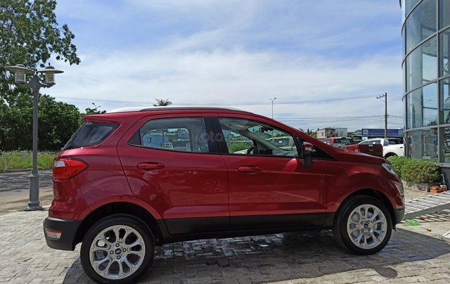 Ford Eccosport ưu đãi chưa từng có (tiền mặt phụ kiện full options) mùa cuối năm2