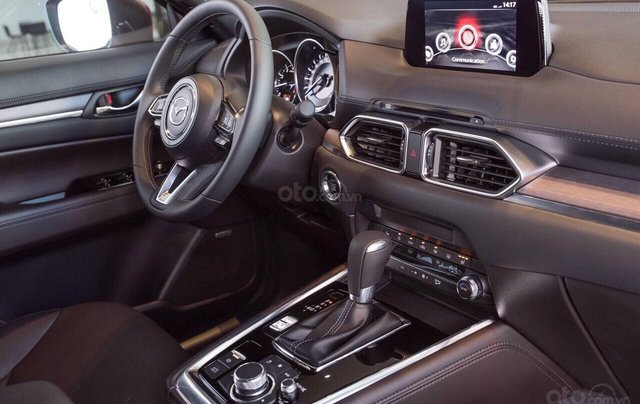 Mazda Phú Mỹ Hưng ưu đãi CX8 tặng nâng cấp gói phụ kiện và giảm lên đến 190tr4