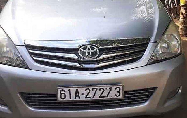 Cần bán gấp Toyota Innova năm sản xuất 2009, màu bạc còn mới, giá tốt2