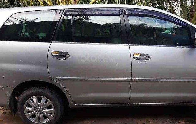 Cần bán gấp Toyota Innova năm sản xuất 2009, màu bạc còn mới, giá tốt1