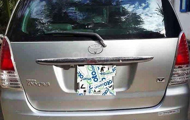Cần bán gấp Toyota Innova năm sản xuất 2009, màu bạc còn mới, giá tốt4
