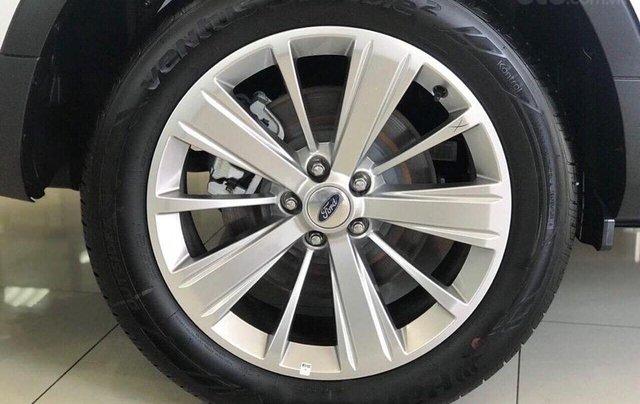Ford Explorer màu trắng SX 2020, giao xe ngay5
