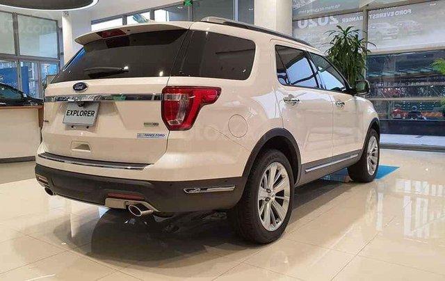 Ford Explorer màu trắng SX 2020, giao xe ngay1