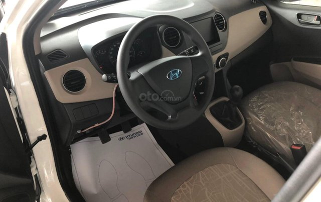 Hyundai Grand I10 1.2 Sedan, giảm 50% thuế trước bạ, quà tặng hấp dẫn3