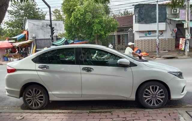 Cần bán xe Honda City 2017 bản Top, màu trắng, xe cực đẹp2