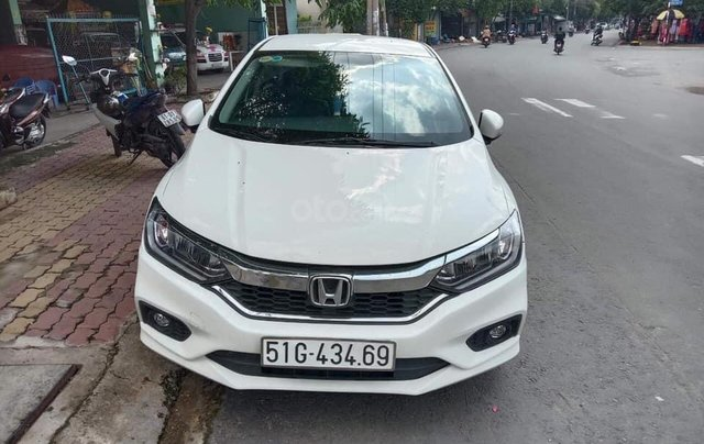 Cần bán xe Honda City 2017 bản Top, màu trắng, xe cực đẹp3