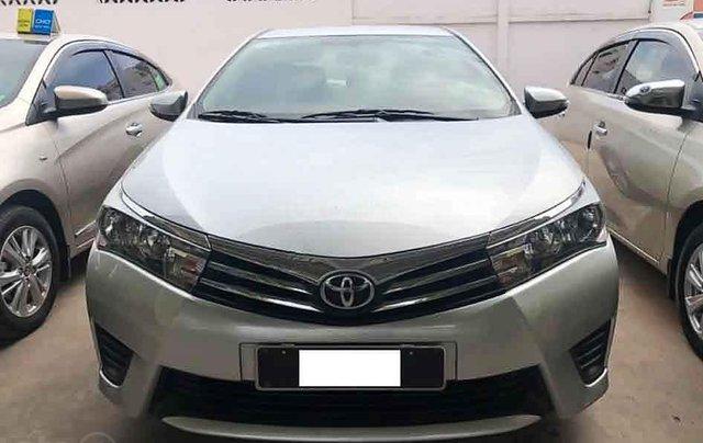 Cần bán lại xe Toyota Corolla Altis sản xuất năm 2015, màu trắng còn mới, 550tr2