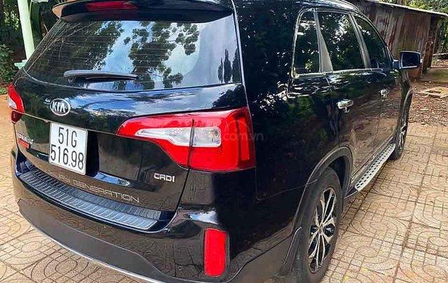Bán Kia Sorento sản xuất 2017, màu đen còn mới, 730tr0