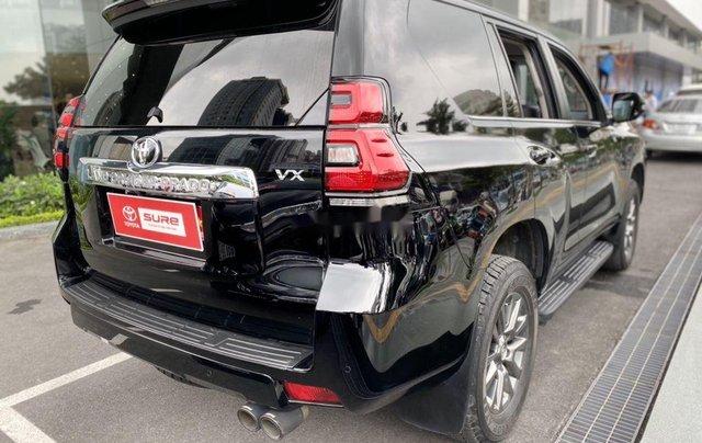 Bán Toyota Prado đời 2018, màu đen, xe nhập còn mới2